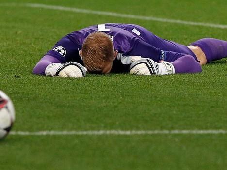 """""""Tội đồ Hart"""" vẫn là thủ môn số 1 tuyển Anh"""