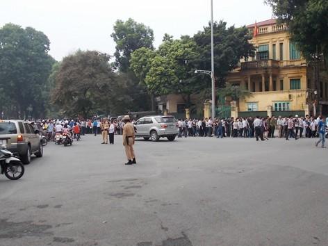 Đảm bảo giao thông cho người dân đến tưởng niệm Đại tướng