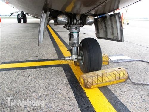 Lốp máy bay ATR 72 rơi từ không trung có thể gây chết người