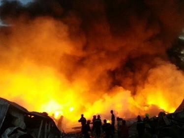 Nhà xưởng công ty Diana Bắc Ninh sụp đổ hoàn toàn trong biển lửa