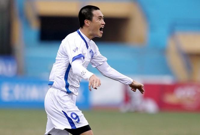 Công Vinh và CLB BĐ Hà Nội đang có dấu hiệu chơi tốt dần lên trong 2 trận đấu gần đây