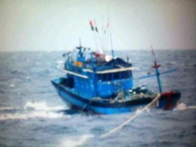 Biển động mạnh, nhiều tàu gặp nạn