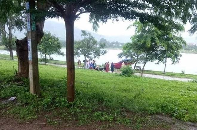 Phát hiện thi thể người phụ nữ nổi lên mặt hồ công viên khi tập thể dục