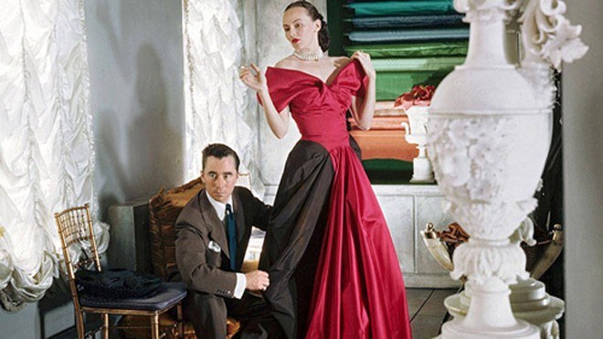 Charles James được sánh ngang với các nhà thiết kế đình đám như Christian Dior hay Chanel vào những năm 1940-1950. Ảnh: Harpersbazaar.