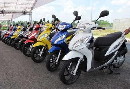 Các DN liên tiếp tung ra những mẫu xe máy mới