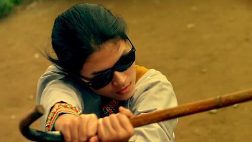 Ngọc Thanh Tâm vào vai chính, cô hiệp sĩ mù tên Linh trong phim.