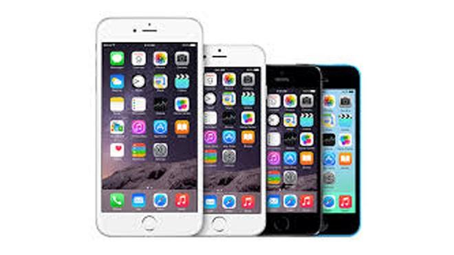 Giá các mặt hàng iPhone giảm nhẹ vào dịp cuối năm khiến nhu cầu tăng cao. Ảnh: Thanh Viên.