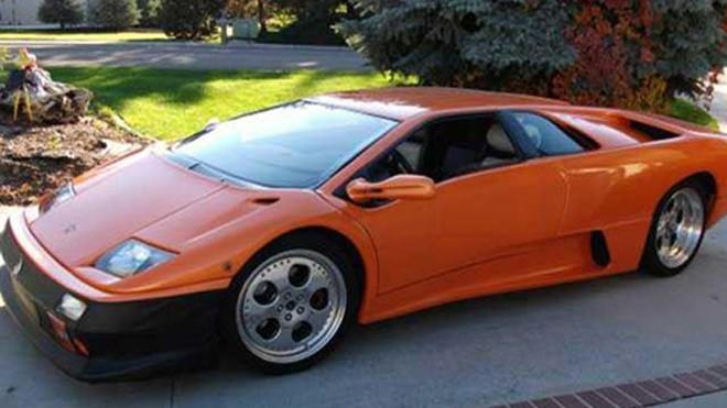 Siêu xe Lamborghini Diablo hàng nhái.