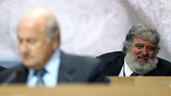 Blazer là nhân tố quan trọng giúp lật tẩy những điều xấu xa của FIFA gần đây.