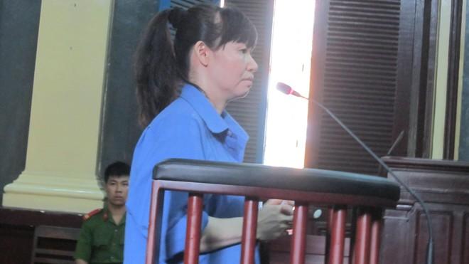 Bị cáo Thủy Tiên tại tòa. Ảnh T.Châu