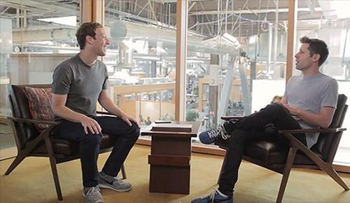 Mark Zuckerberg (trái) trong buổi trò chuyện hôm qua. Ảnh: Y Combinator