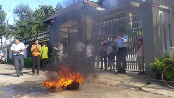 Nước giếng bơm lên đốt là cháy dữ dội