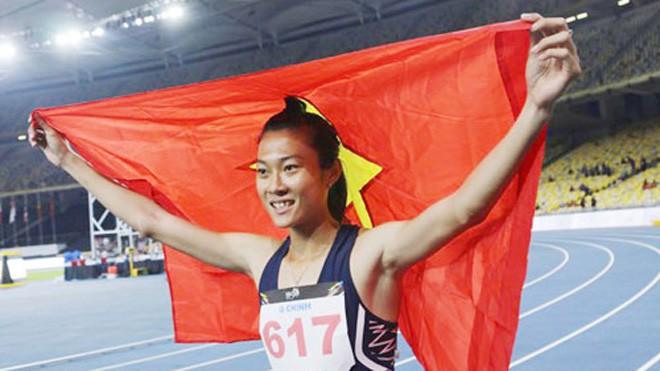 Tú Chinh giành ba HC vàng trong lần đầu dự SEA Games. Ảnh: Lâm Thỏa.