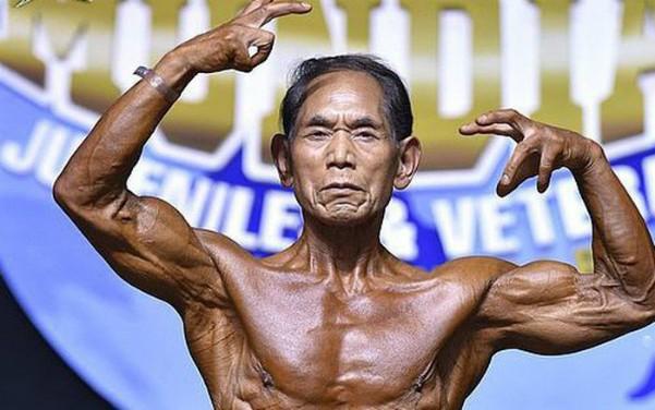 Ông Kanazawa sở hữu khối cơ bắp rắn chắc ở tuổi 81. Ảnh: OC.