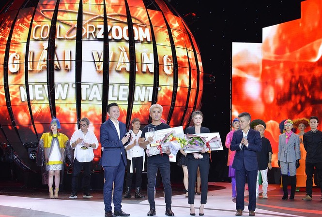 Nhà tạo mẫu tóc Đới Văn Tuấn – Salon Hoàng Hà Color Zoom nhận giải Vàng quốc gia Color Zoom 2019 hạng mục Tài Năng Trẻ