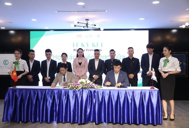 Tập đoàn K-Beauty cam kết đầu tư 50 triệu USD vào tập đoàn Panda phát triển dòng mỹ phẩm thiên nhiên C'n Hàn Quốc