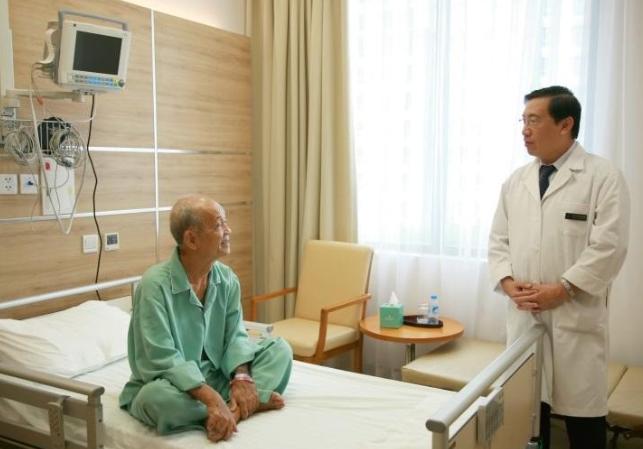GS.TS.BS Võ Thành Nhân đã có hơn 30 năm đồng hành cùng bệnh nhân tim mạch