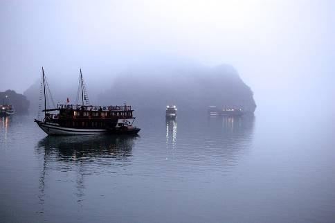 Săn ngay hai tour đi Quảng Ninh siêu ưu đãi từ Sài Gòn, Đà Nẵng