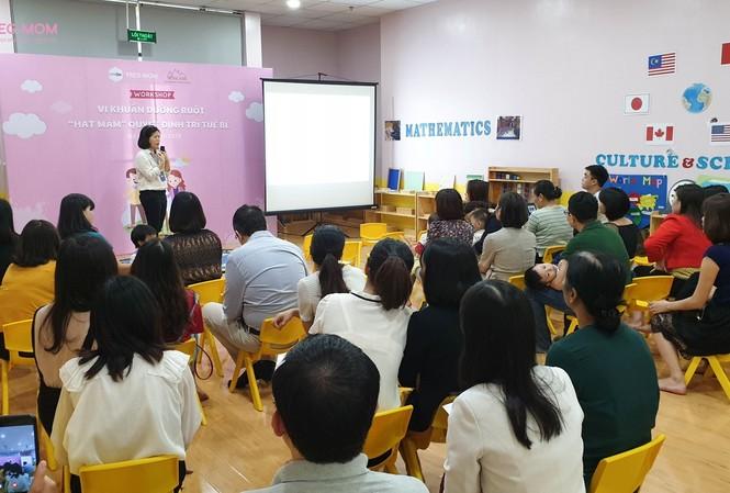 Chương trình đã thu hút được đông đảo sự tham dự của cha mẹ và bé