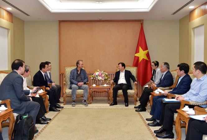 Phó thủ tướng Trịnh Đình Dũng tiếp Ông Đỗ Quang Hiển, Chủ tịch HĐQT kiêm TGĐ T&T Group và Ông Robert Yap, Chủ tịch điều hành Tập đoàn YCH (Singapore)