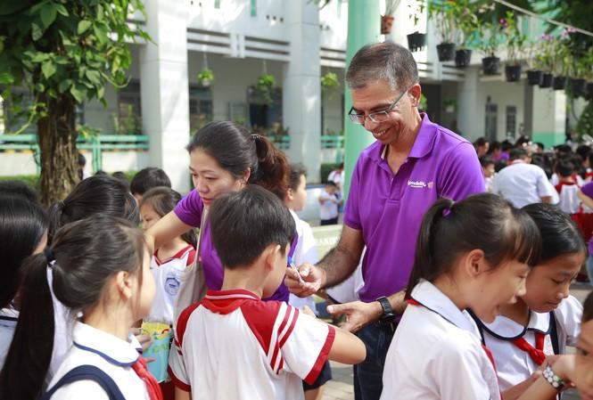 Mondelez Kinh đô Việt Nam tuyên truyền giảm thiểu rác thải nhựa đến học sinh