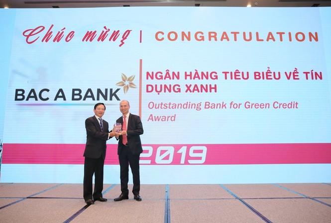 BAC A BANK vinh dự nhận giải thưởng Ngân hàng tiêu biểu về Tín dụng xanh 2019 trong khuôn khổ Giải thưởng Ngân hàng Việt Nam tiêu biểu (VOBA)