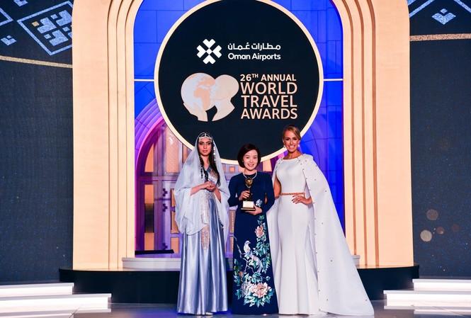 """Vinpearl Luxury Landmark 81 được vinh danh là """"Khách sạn hướng sông hàng đầu thế giới tại"""" Lễ trao giải du lịch thế giới – WTA toàn cầu"""