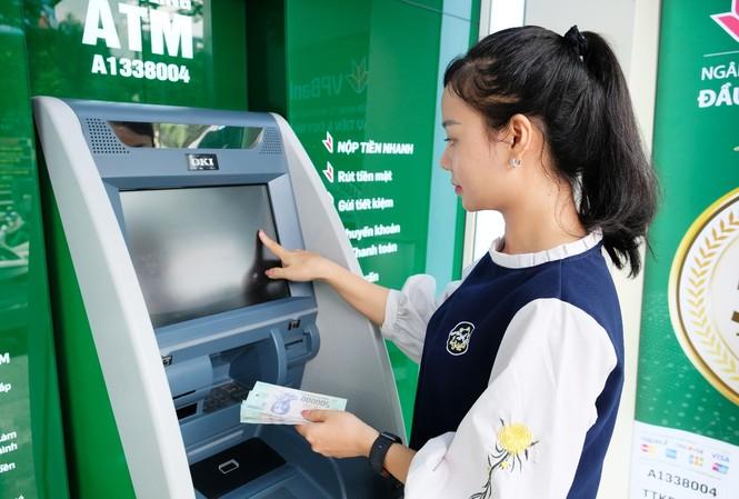 Dành ra một khoản tiền gửi tiết kiệm đang chứng minh thế hệ trẻ ngày càng văn minh và hiện đại hơn
