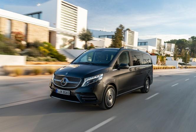 Mercedes-Benz V-Class mới có giá bán từ gần 2,6 tỷ đồng ở Việt Nam