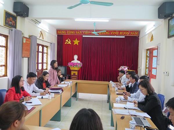 Bà Nguyễn Thị Hải Anh - Phó Chi cục trưởng Chi cục ATVSTP Lào Cai báo cáo công tác đảm bảo ATTP năm 2019.