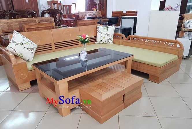 Bộ sofa góc chất liệu gỗ có kiểu dáng đơn giản nhưng vô cùng tiện dụng, phù họp với hầu hết các loại không gian phòng khách.