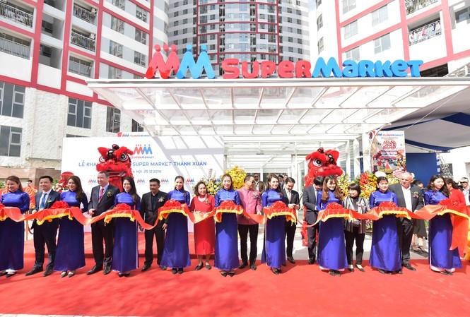 Lễ cắt băng khai trương đánh dấu thương hiệu bán lẻ MM Super Market chính thức đi vào hoạt động tại Việt Nam