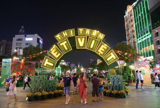 Thị Trấn Tết MILO mở cửa chào đón khách tham quan và các em nhỏ
