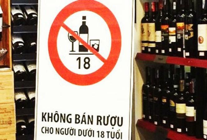 Quy định về độ tuổi bán rượu bia: Chế tài cho cả người bán và người mua
