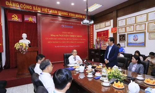 Ông Nguyễn Thiện Nhân thăm và chúc Tết Công ty Du lịch Vietravel