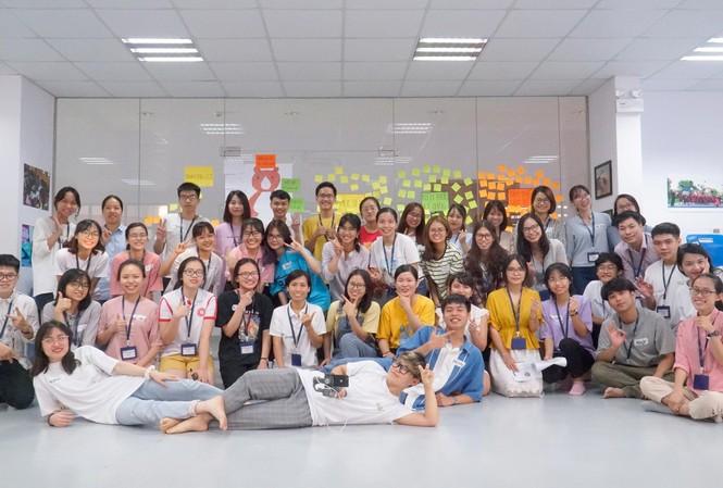 """Hơn 50 thanh niên tham gia tập huấn """"Kiến thức cơ bản về Môi trường"""" cùng diễn giả và BTC"""