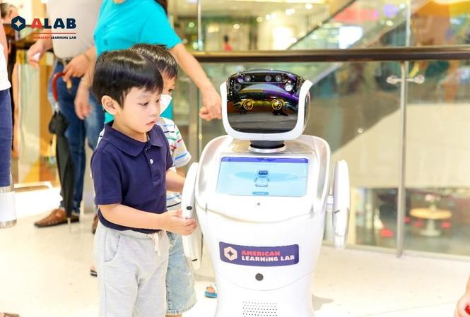 Giao lưu với Robot thông minh để trải nghiệm thực tế cùng trí tuệ nhân tạo (AI)