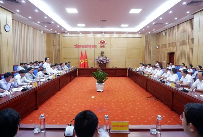 Buổi làm việc của EVNNPC với UBND tỉnh Nghệ An về tình hình cung cấp điện và triển khai các dự án ĐTXD trên địa bàn