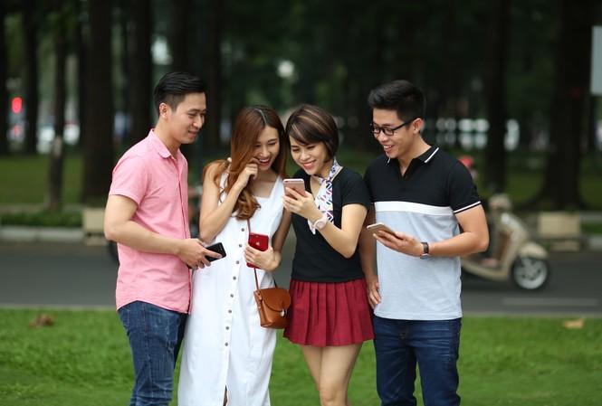 Khách hàng VinaPhone cùng cài đặt sử dụng dịch vụ VNPT Wifi offload mới ra mắt của VNPT