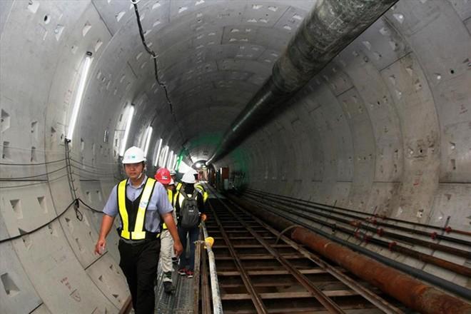 Thi công tường vây và đường hầm tuyến Metro số 1