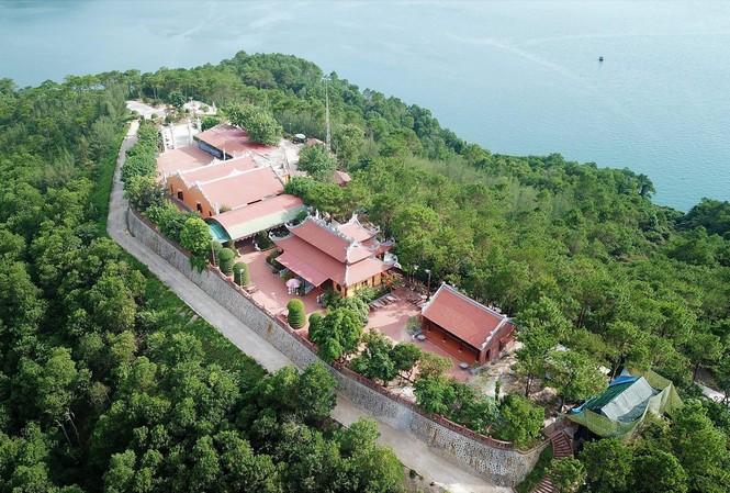 Ông Tô Văn Chương xây dựng hàng loạt công trình trái phép tại đảo Thẻ Vàng khi chưa được phê duyệt dự án Ảnh: H.D