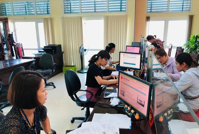 Ngoài tăng mức giảm trừ gia cảnh, các chuyên gia cho rằng, cần xem xét giảm trừ các khoản chi phí hợp lệ khác cho người dân Ảnh minh họa của: Tuấn Nguyễn