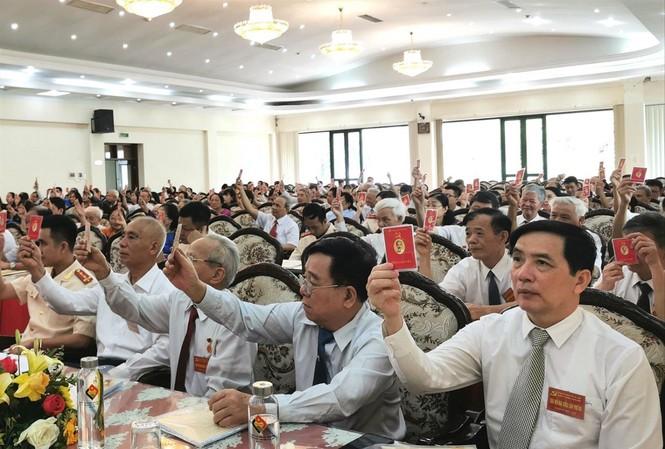 Đại hội Đảng bộ phường Bạch Đằng, TP Hạ Long được 100% đại biểu biểu quyết đồng ý với mục tiêu, chỉ tiêu cần đạt được trong nhiệm kỳ 2020-2025