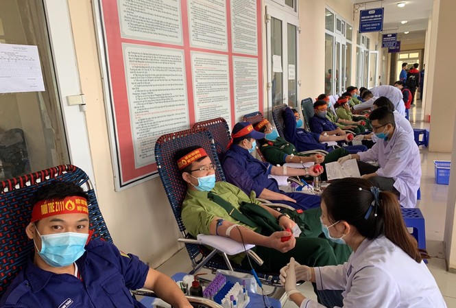 Hơn 100 đoàn viên thanh niên Z111 tham gia hiến máu tại ngày hội Chủ nhật Đỏ