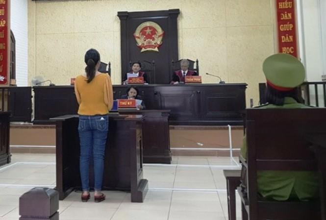 """""""Tú bà"""" Nguyễn Thị Tình tại phiên tòa"""