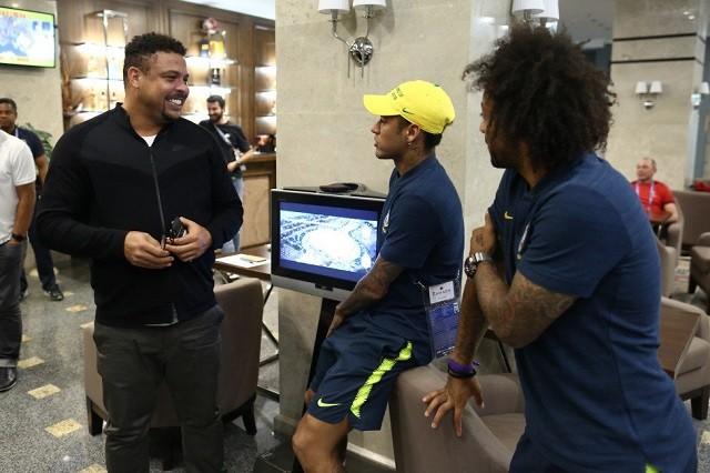 """""""Rô béo"""" cùng 2 đàn em là Neymar và Marcelo. Ảnh: Twitter."""