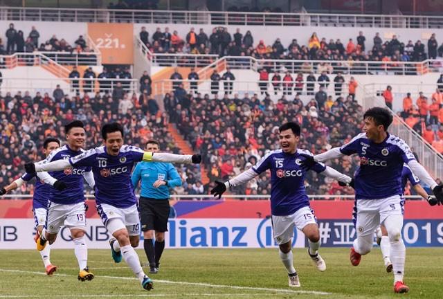 Hà Nội FC đã có màn trình diễn khá tốt trong hiệp 1 ở trận gặp Shandong Luneng.