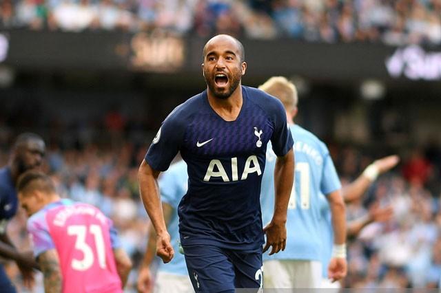 Man City bị 'cưa điểm', Liverpool thắng nhọc