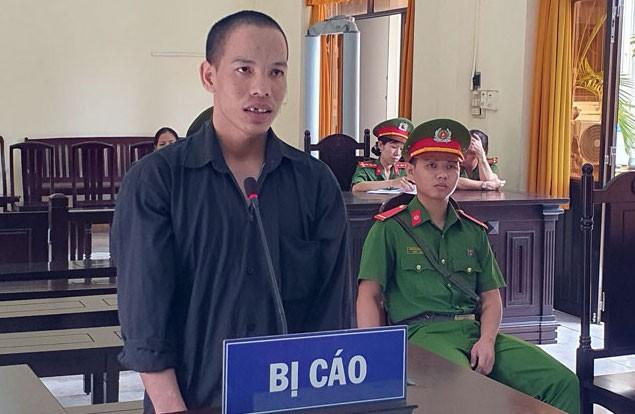 Bị cáo Lê Trung Léo tại phiên toà. Ảnh Văn Vũ