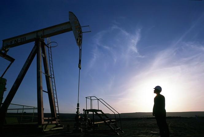 Giá dầu Brent tăng 10% do lo ngại căng thẳng Mỹ-Iran. Ảnh: hacked.com